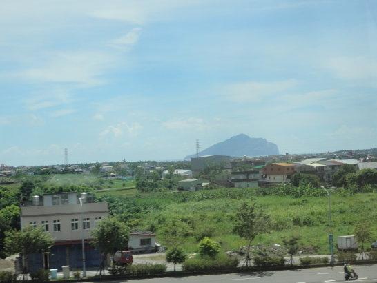蘭陽平原外的龜山島.jpg