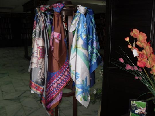 絲巾.jpg