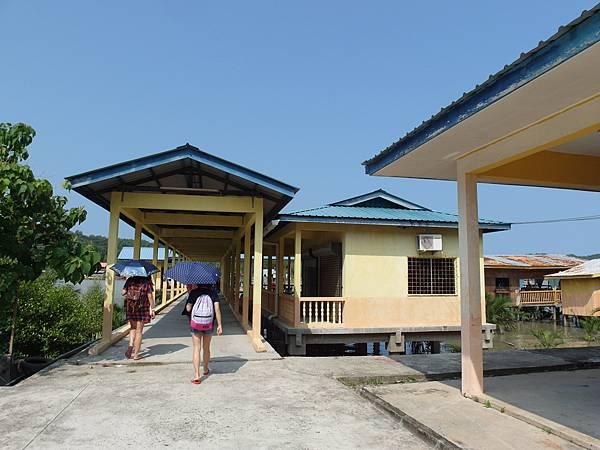 沙巴SABAH❤古打毛律(Kota Belud)乘快艇至美人魚島(Mantanani Island)浮潛、沙灘排球、放空一日遊。
