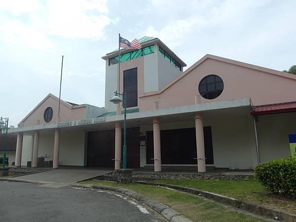 沙巴SABAH❤異國情調---布城(Putra Jaya)沙巴大學 University Malaysia Sabah粉紅清真寺、亞庇市立回教水上清真寺 (Kota Kinabalu City Mosque)。