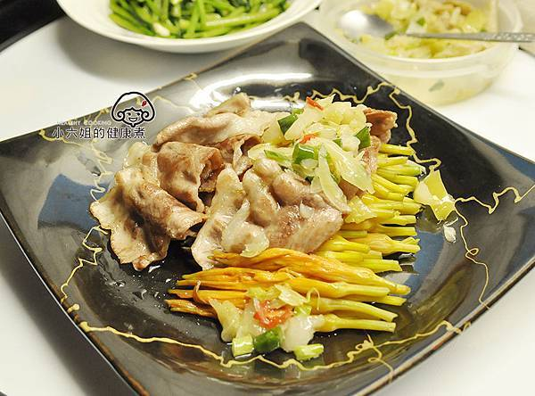 酸菜拌金針豬肉片榮騰 掛川酵母豚.jpg