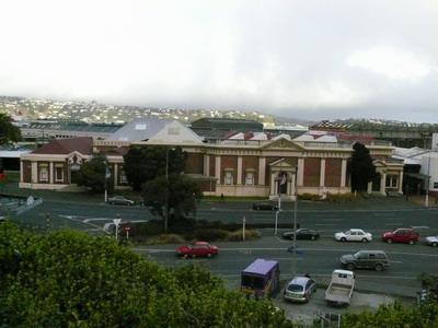 第一教堂往下看的風景也是一個美術館.jpg
