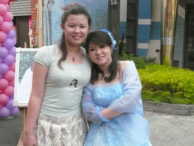 ㄚ宜ㄚ鳳2008結婚合照.jpg