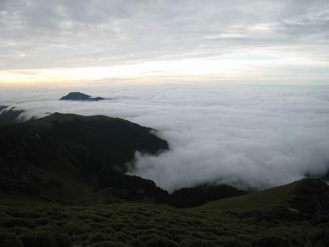 a23山巒雲瀑.JPG