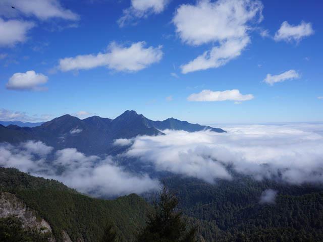 a48雲海及山巒.JPG