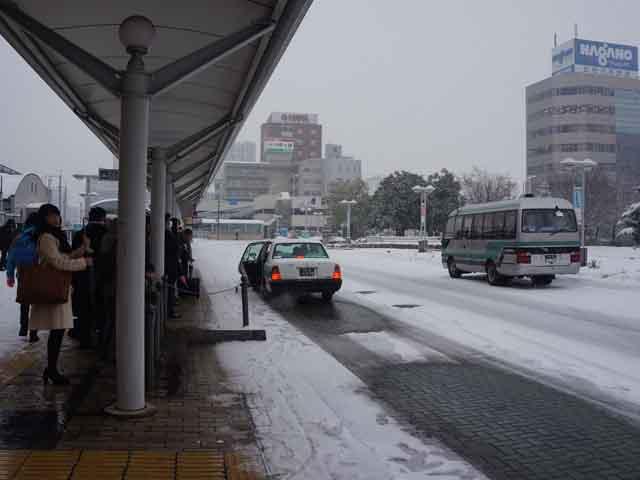 a26雪中等巴士.JPG