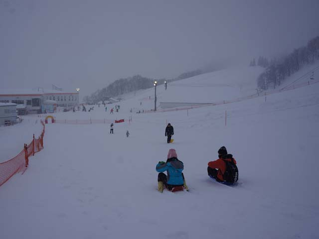 a09玩雪了.JPG