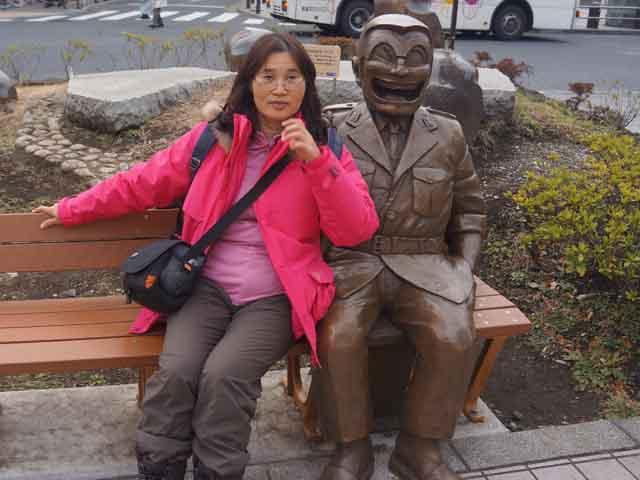 a26兩津勘吉的銅像.JPG