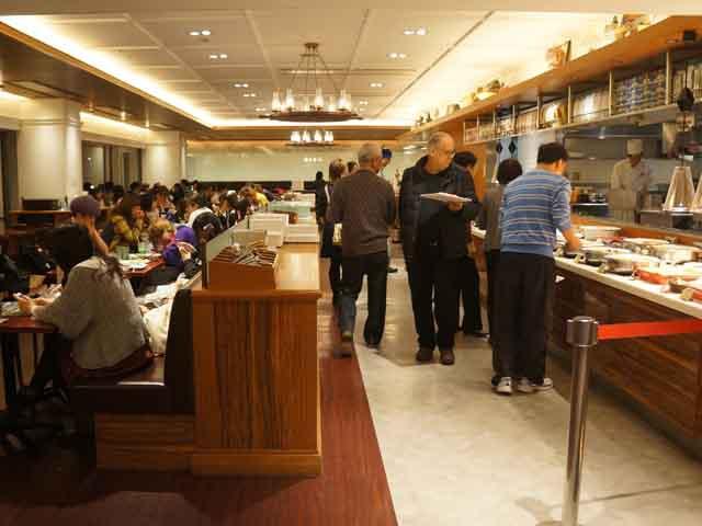 a34餐廳享用晚餐.JPG
