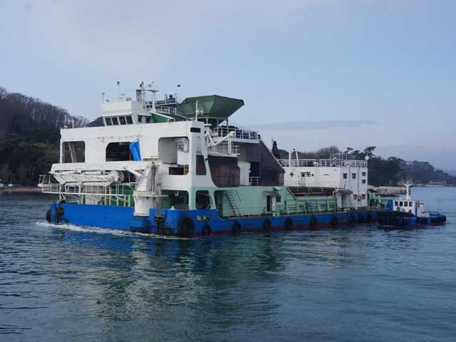a29作業中的貨船.JPG
