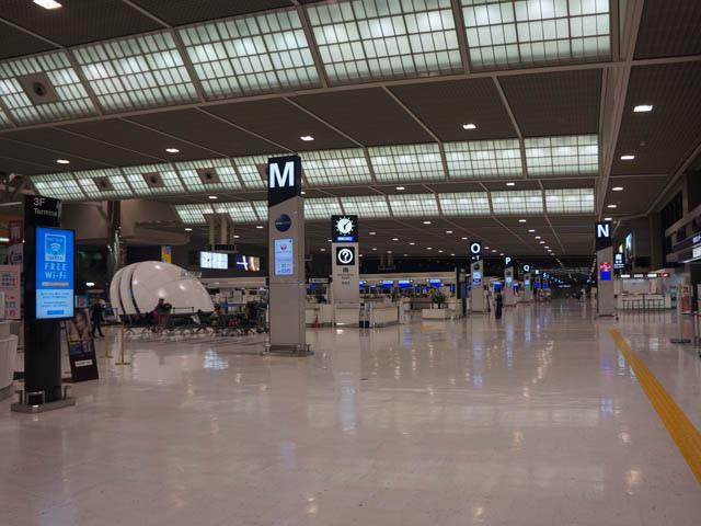 a57清晨的成田機場.JPG