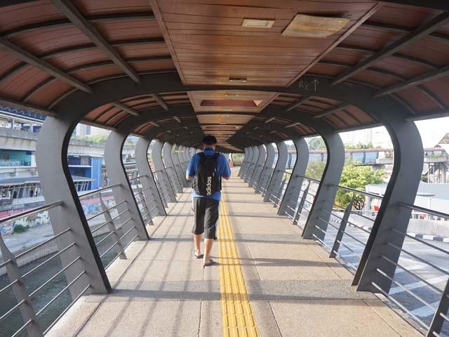 a03過天橋.JPG