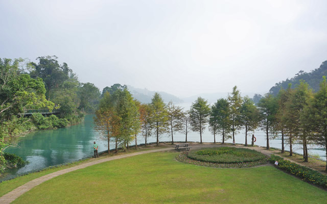 a25環湖美景.JPG