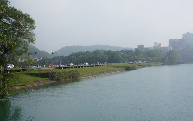 a37遠觀水社壩.JPG
