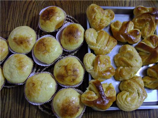 波蘿&椰子麵包.jpg