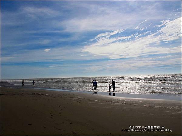 2011-0607-竹北-新月沙灘-施巴防曬乳 (11).jpg