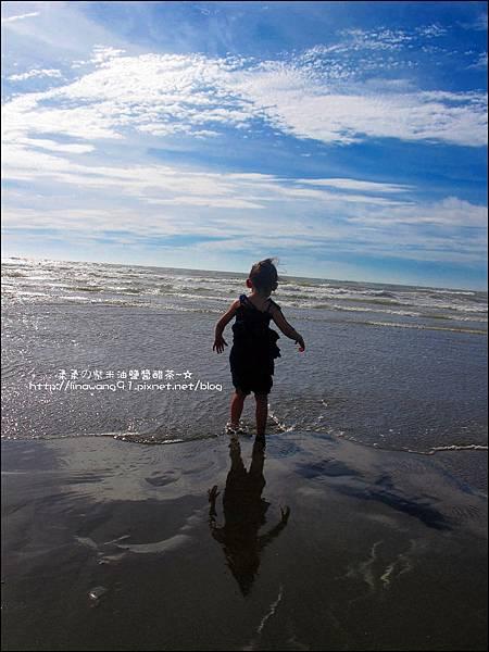 2011-0607-竹北-新月沙灘-施巴防曬乳 (15).jpg