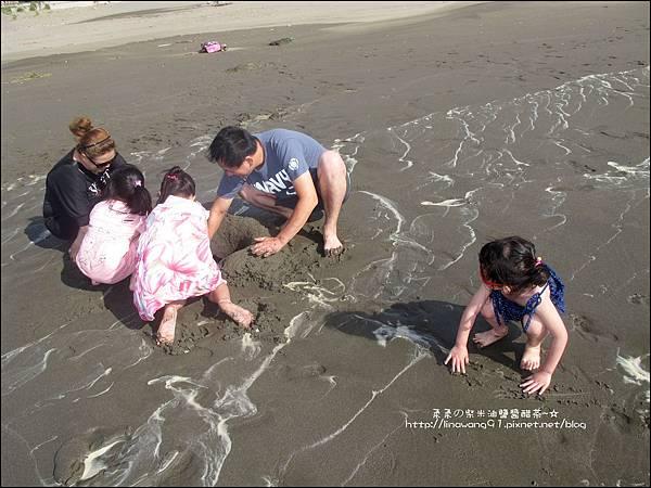 2011-0607-竹北-新月沙灘-施巴防曬乳 (19).jpg