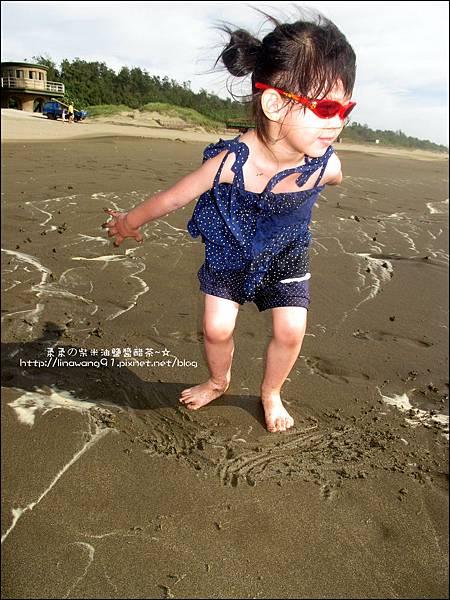 2011-0607-竹北-新月沙灘-施巴防曬乳 (20).jpg