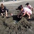 2011-0607-竹北-新月沙灘-施巴防曬乳 (23).jpg