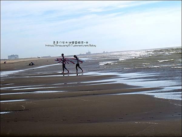 2011-0607-竹北-新月沙灘-施巴防曬乳 (26).jpg