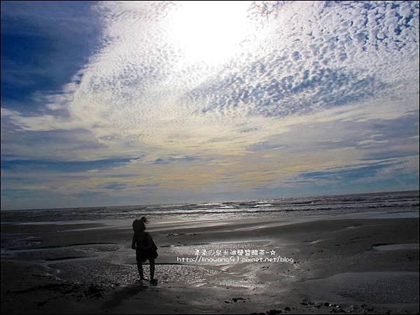 2011-0607-竹北-新月沙灘-施巴防曬乳 (27).jpg