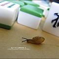 2011-0603-Yuki 3Y5M-蝸牛走迷宮.jpg