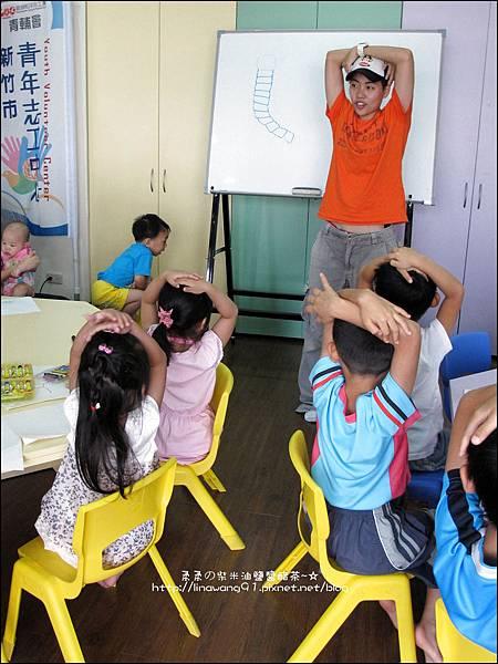 2011-0802-昆蟲課-昆蟲老師-吳沁婕 (12).jpg