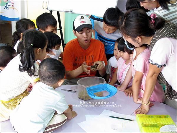2011-0802-昆蟲課-昆蟲老師-吳沁婕 (31).jpg
