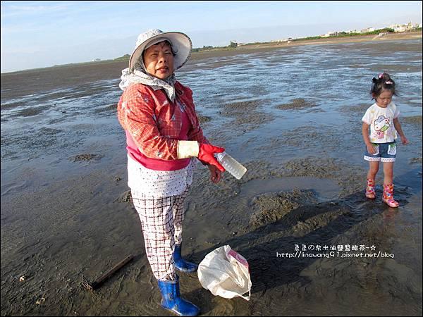 2011-0926-新竹-香山濕地挖蛤蜊 (3).jpg