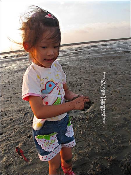 2011-0926-新竹-香山濕地挖蛤蜊 (22).jpg