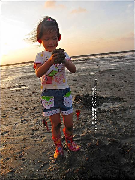 2011-0926-新竹-香山濕地挖蛤蜊 (24).jpg