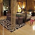 2011-0916-台南-湖水岸汽車旅館 (1).jpg
