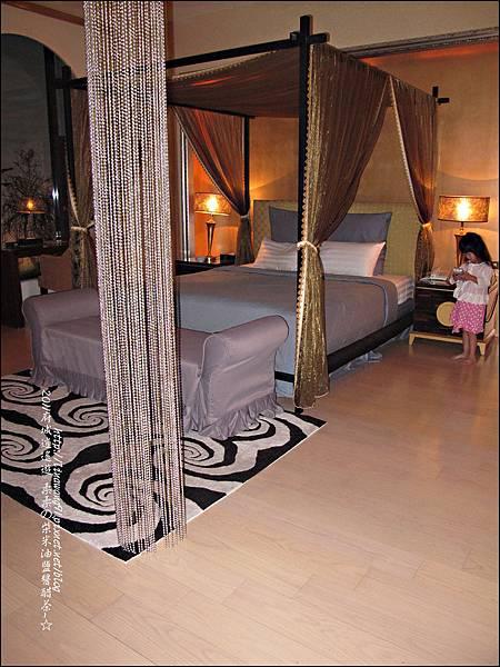 2011-0916-台南-湖水岸汽車旅館 (2).jpg