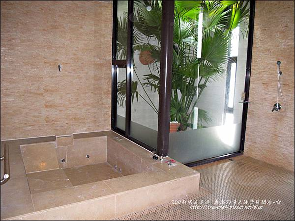 2011-0916-台南-湖水岸汽車旅館 (8).jpg