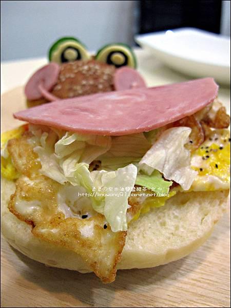 2011-1110-火腿青蛙漢堡 (4).jpg
