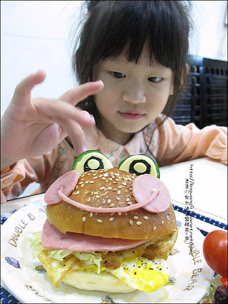 2011-1110-火腿青蛙漢堡 (8).jpg