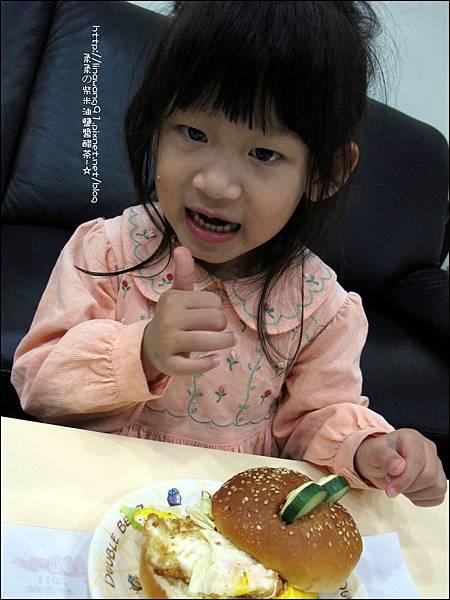2011-1110-火腿青蛙漢堡 (11).jpg