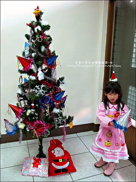 2011-1203-歡聚聖誕趴暨慶生會 (1).jpg