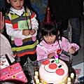 2011-1203-歡聚聖誕趴暨慶生會 (7).jpg