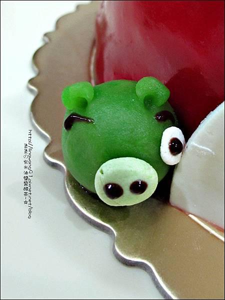 2011-1225-提雅諾精緻烘培-憤怒鳥蛋糕 (3).jpg