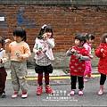 2011-1223-小太陽-5-4-聖誕派對-小樹花圈 (20).jpg