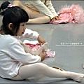 2011-1227-欣蕾第二次試穿表演衣服.jpg