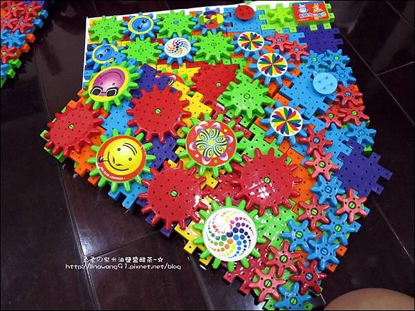 2011-0708-Yuki 3Y6M-會轉動的積木 (4).jpg