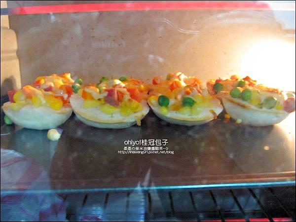 2012-0312-桂冠包子-銀絲捲披薩  (21)