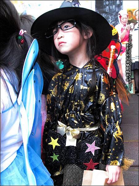 2012-1030-Yuki 4Y10M幼稚園第一次萬聖節 (11)