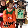2012-1030-Yuki 4Y10M幼稚園第一次萬聖節 (18)