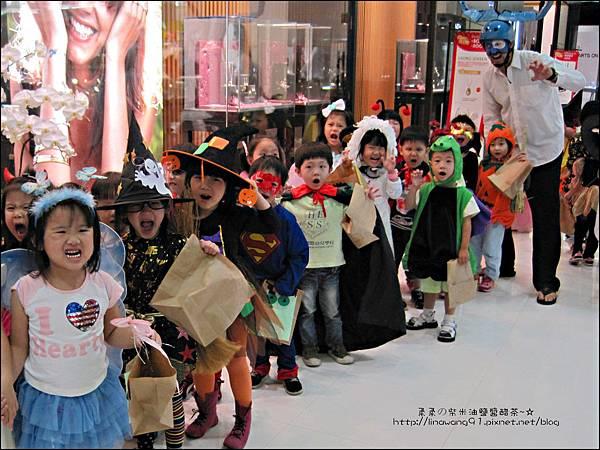 2012-1030-Yuki 4Y10M幼稚園第一次萬聖節 (21)