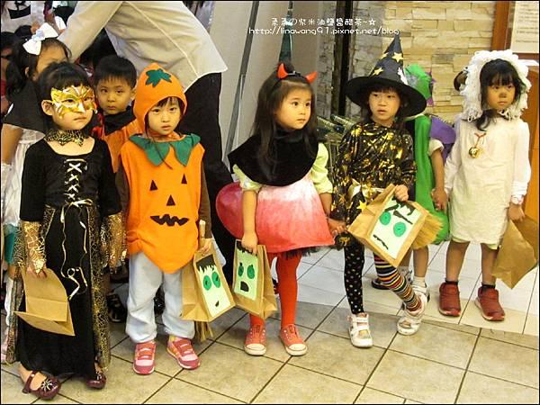 2012-1030-Yuki 4Y10M幼稚園第一次萬聖節 (23)