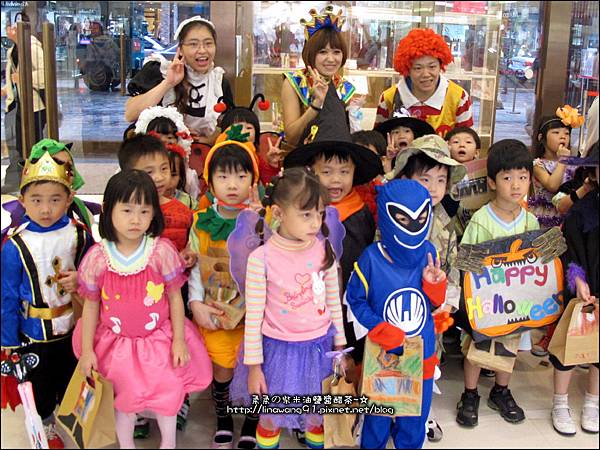 2012-1030-Yuki 4Y10M幼稚園第一次萬聖節 (24)